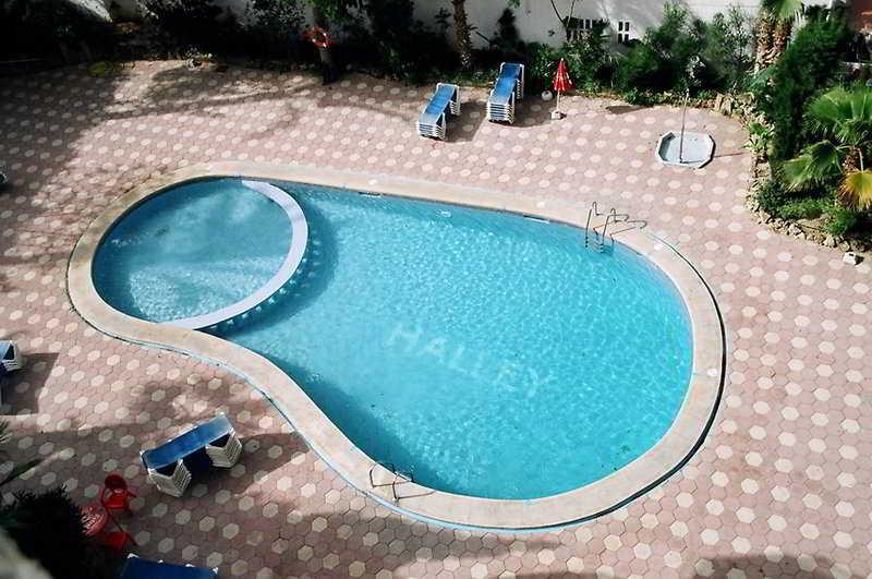 Apartamentos halley in benidorm starting at 16 destinia - Swimming pool repairs costa blanca ...