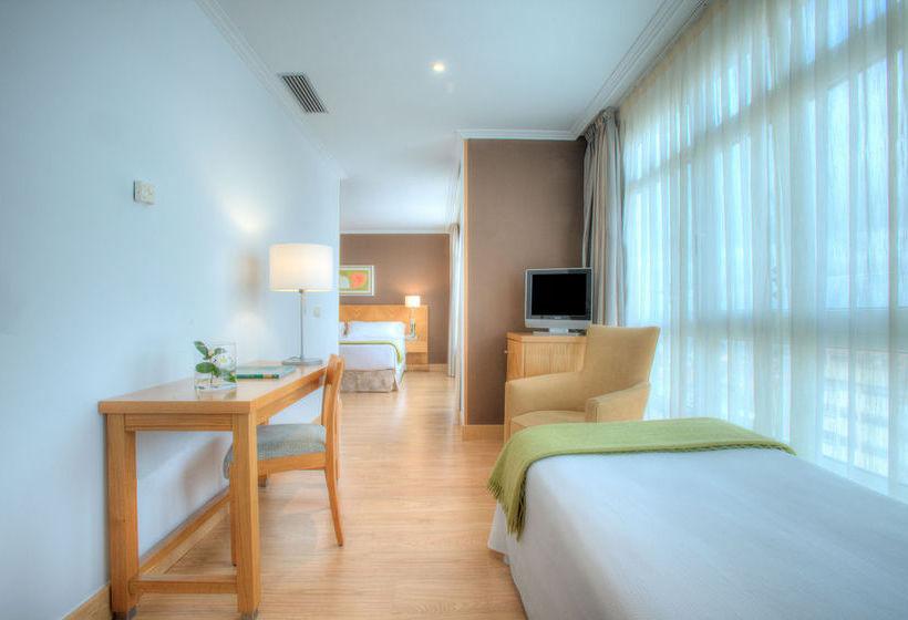 Hotel Hesperia Peregrino Santiago di Compostela