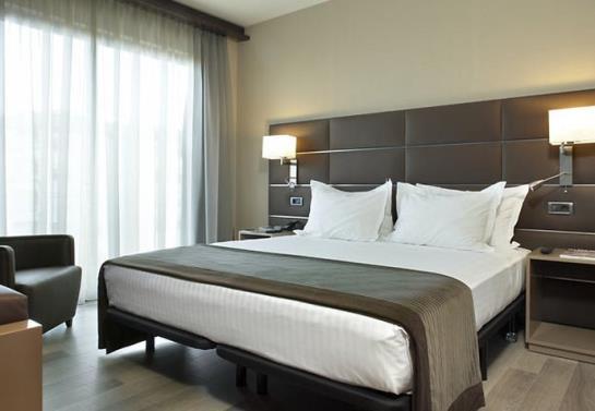 غرفة فندق AC Ciutat de Palma بالما دي مايوركا