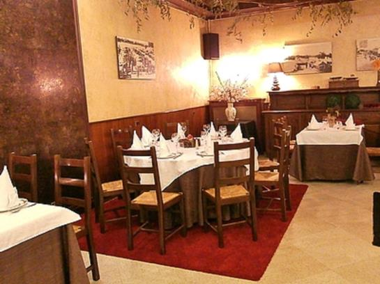 Hotel le Merle Blanc à Digoin à partir de 39 €,  Destinia