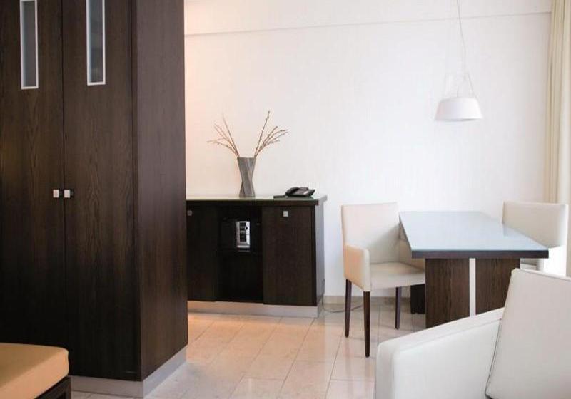 burns art hotel cologne em col nia desde 38 destinia. Black Bedroom Furniture Sets. Home Design Ideas