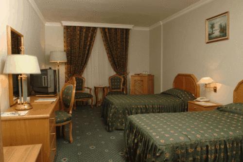 غرفة Ramada Kuwait Hotel الكويت