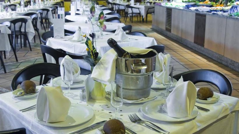 مطعم فندق SBH Club Paraíso Playa بلايا دي إسكينثو
