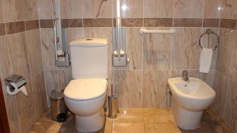 Cuarto de baño Hotel AJ Chaves