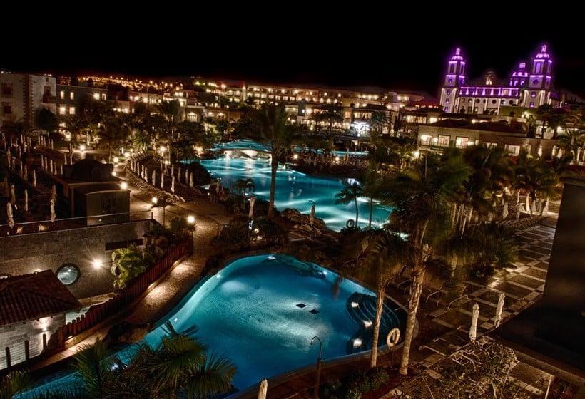 Swimming pool Lopesan Villa del Conde Resort & Thalasso Meloneras