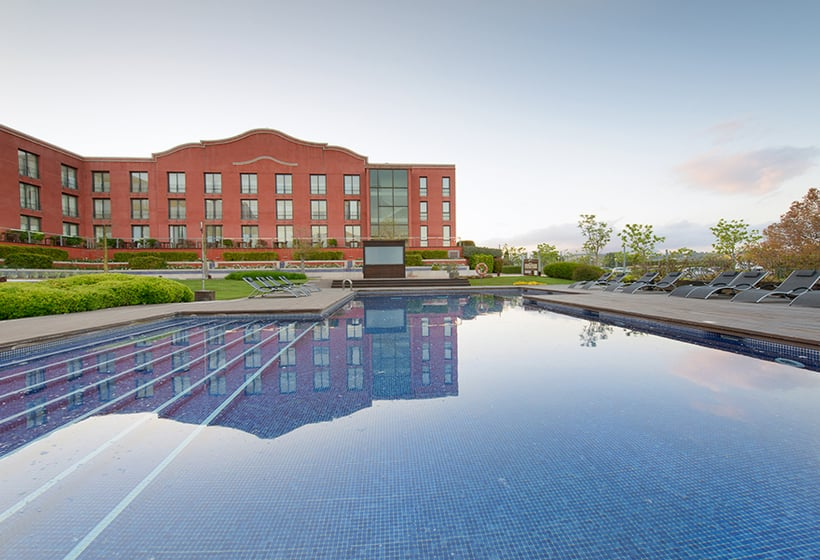 Piscina Hotel Barcelona Golf Resort & Spa Sant Esteve Sesrovires