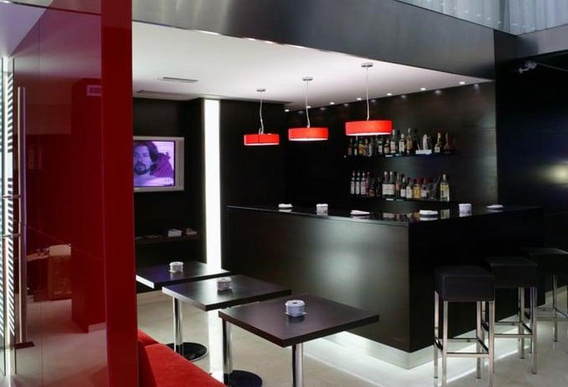 كافيتريا فندق Zenit Bilbao بلباو