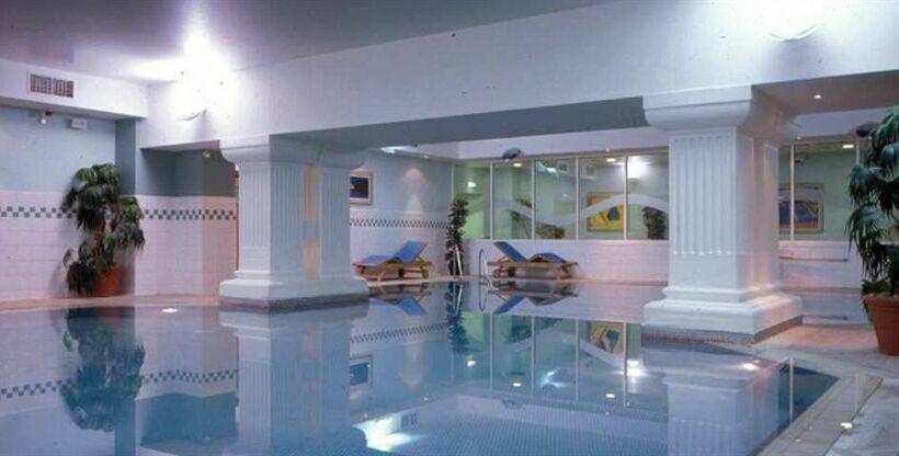 Hilton brighton metropole hotel in brighton starting at - Brighton hotels with swimming pools ...