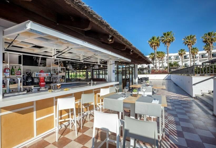 Terraza Hotel Barceló Cabo de Gata Retamar