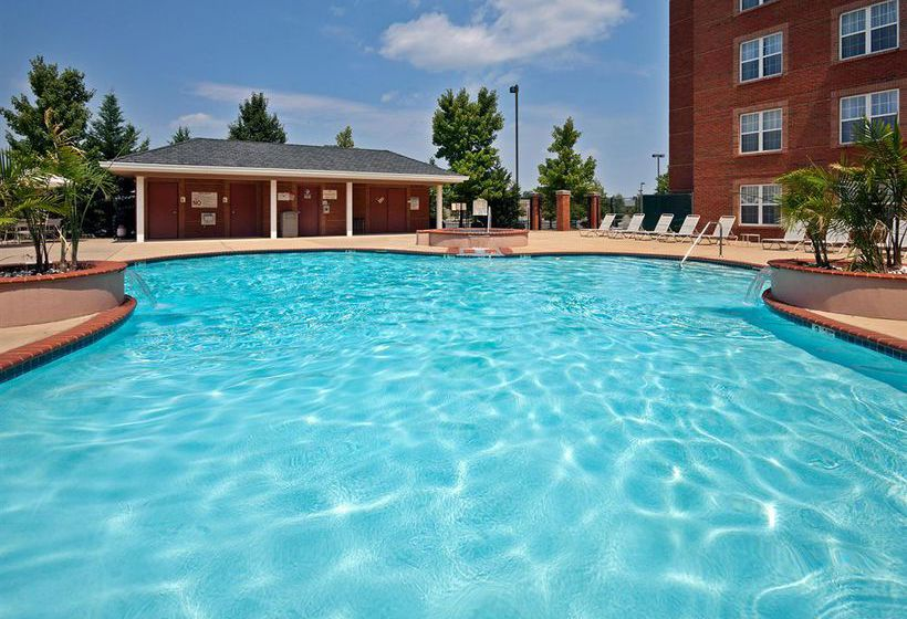 H tel holiday inn chantilly dulles expo airport for Hotel piscine chantilly