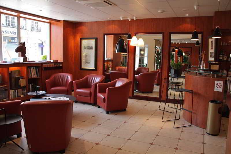 h tel royal caen centre caen les meilleures offres avec destinia. Black Bedroom Furniture Sets. Home Design Ideas