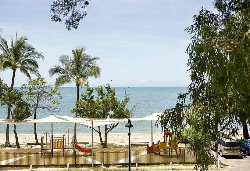 paradise on the beach resort palm cove partir de 49. Black Bedroom Furniture Sets. Home Design Ideas
