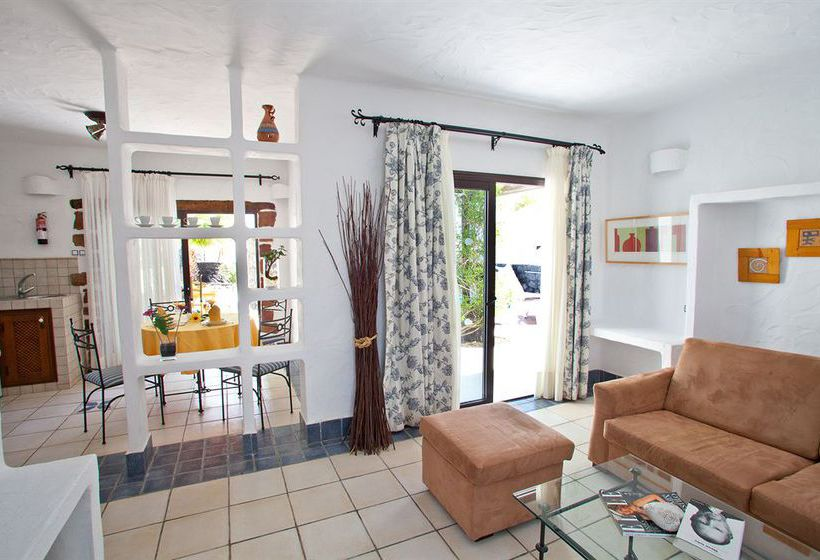Villas heredad kamezi in playa blanca starting at 65 for Villas heredad kamezi