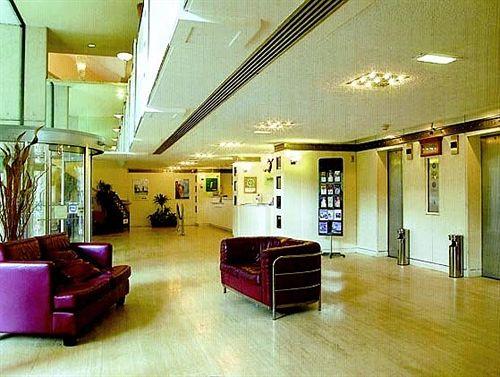 hotel britannia nottingham in nottingham starting at 25. Black Bedroom Furniture Sets. Home Design Ideas