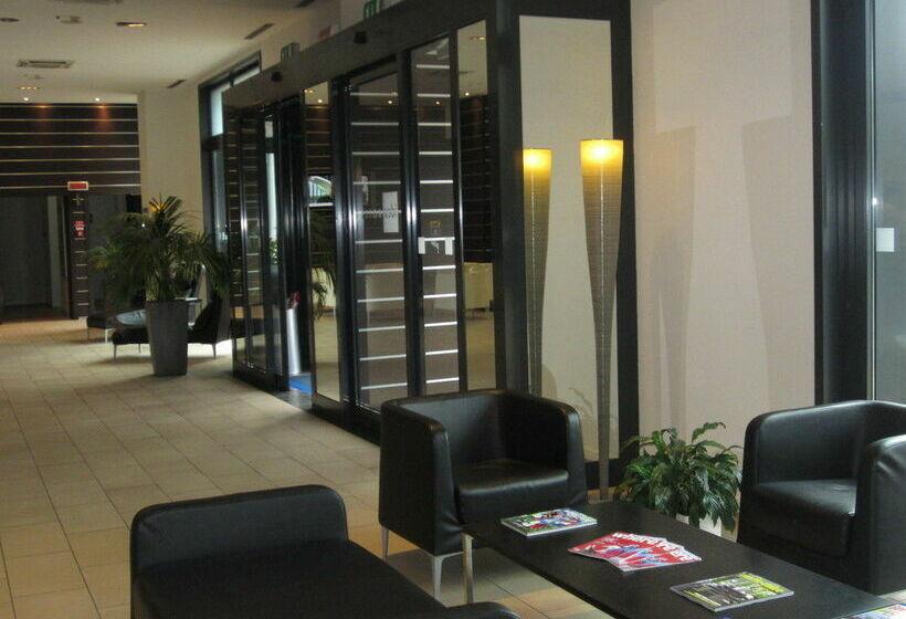 Zonas comunes IH Hotels Milano Gioia Milán