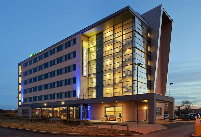 Holiday Inn Express Liverpool John Lennon Airport Hotel