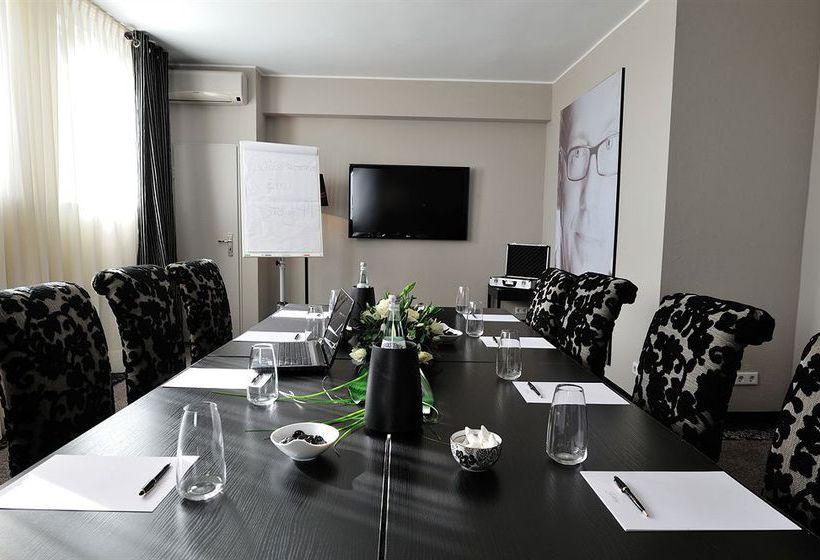 hotel stage 47 em d sseldorf desde 40 destinia. Black Bedroom Furniture Sets. Home Design Ideas