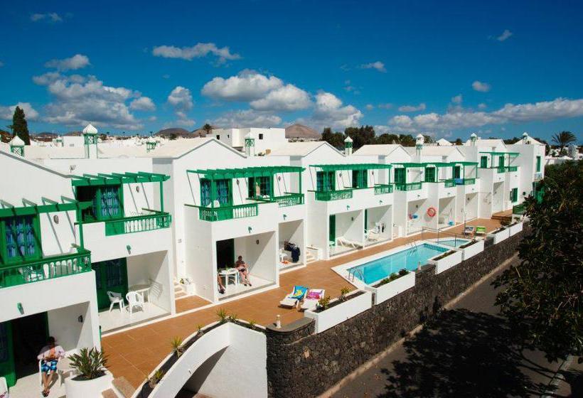 Apartamentos europa in puerto del carmen starting at 17 for Apartamentos europa