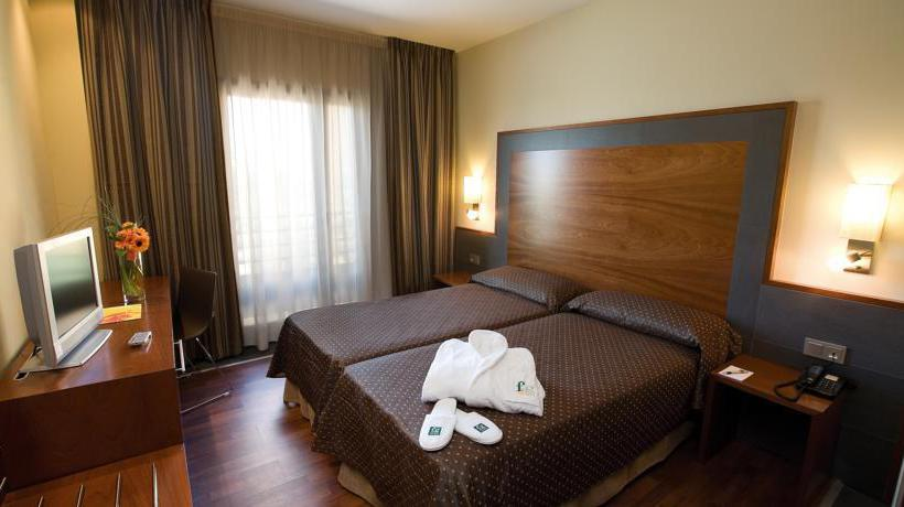 Room Hotel F&G Logroño Logronyo