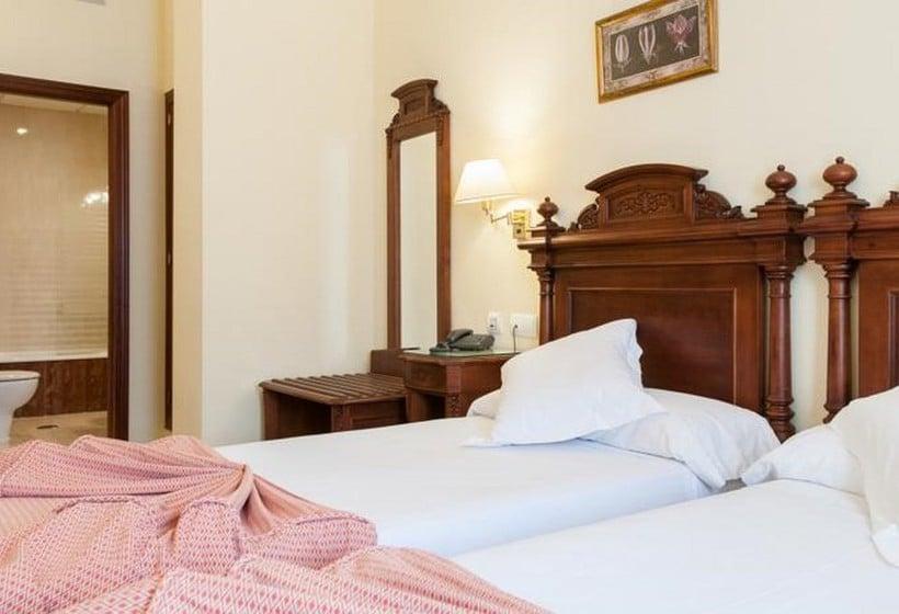 Room Hotel Adriano Seville