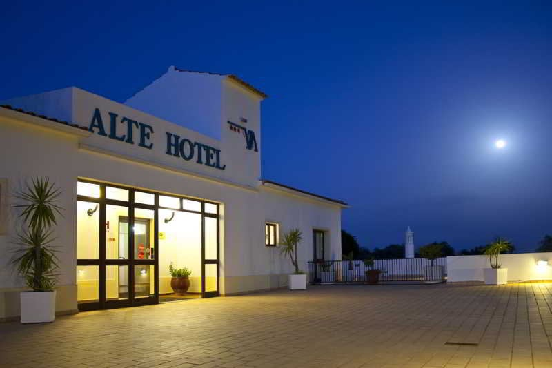 ホテル Alte