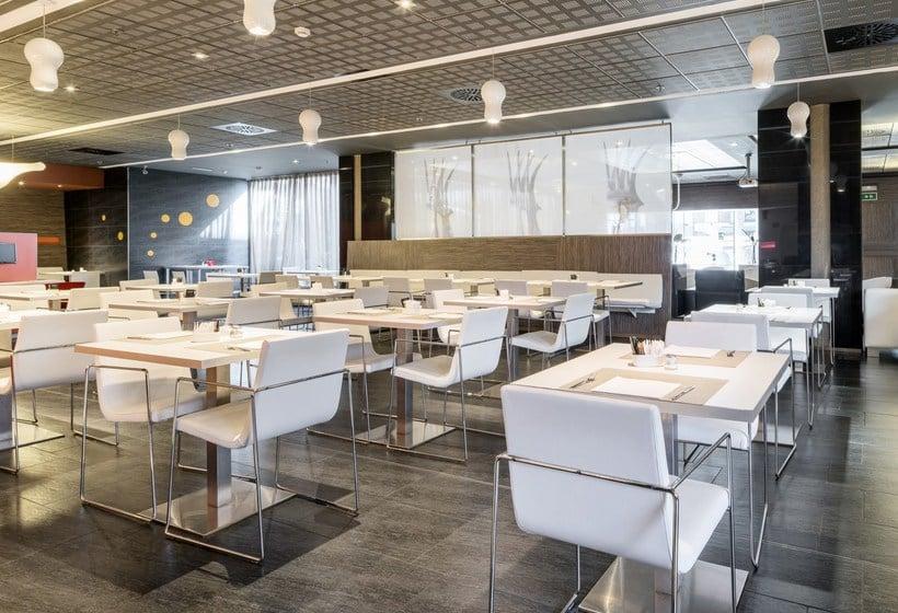 מסעדה בית מלון כפרי Ilunion Barcelona ברצלונה