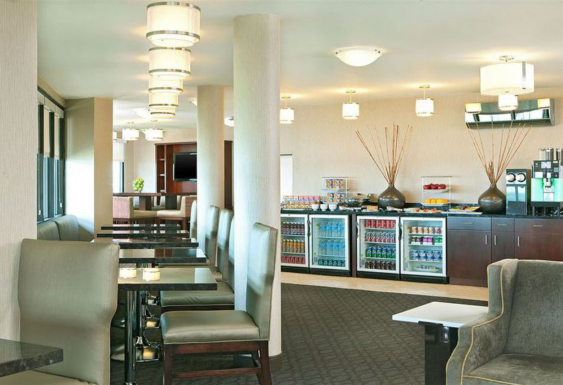 Hôtel Sheraton Suites Philadelphia Airport Philadelphie