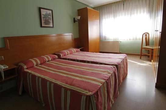 ホテル Carbayon オビエド