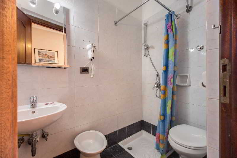 Hotel Soggiorno Blu in Rome, starting at £12 | Destinia