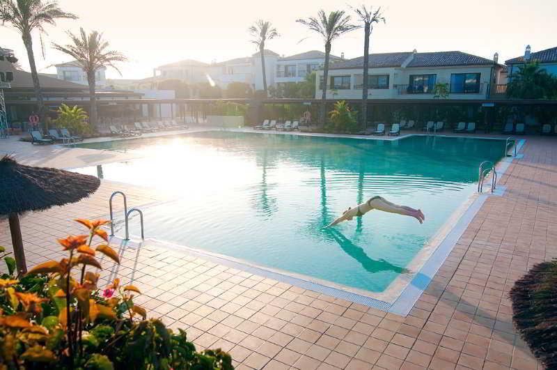 Playa Granada Club Resort In Motril Starting At 28 Destinia