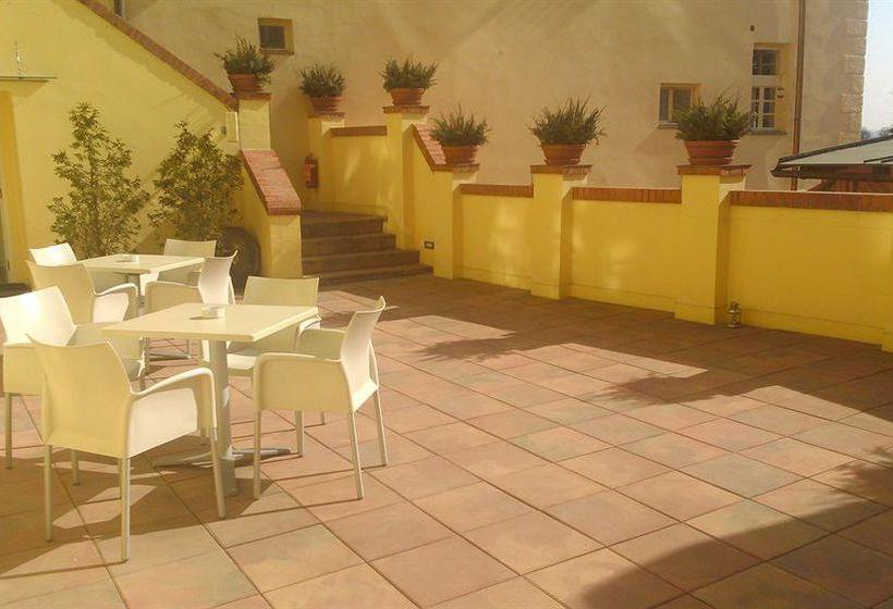 Hotel domus henrici in prague starting at 23 destinia for Domus baltazar hotel prague