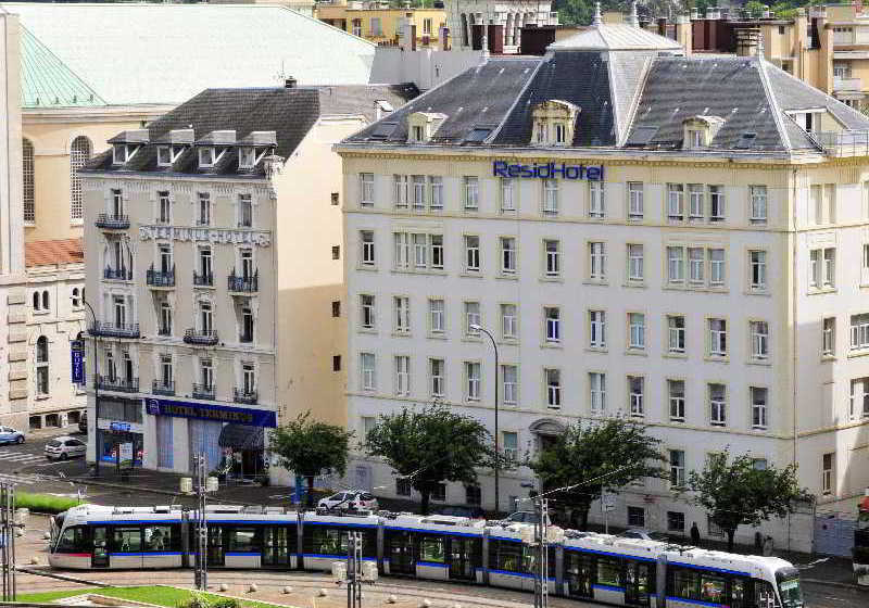 Residhotel central gare grenoble the best offers with for Resid hotel