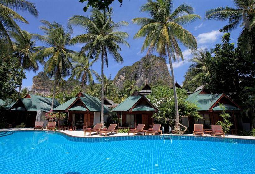 Hotel Sand Sea Resort in Railay, starting at £38 | Destinia