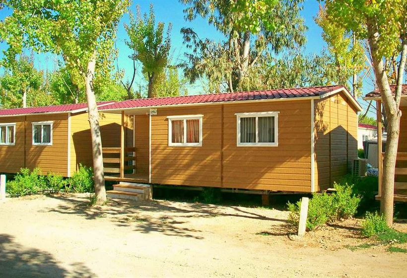Outside Camping Oasis Country Park Rugat