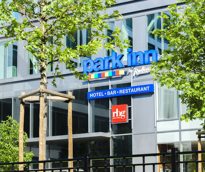 ホテル Park Inn by Radisson Brussels Midi ブリュッセル