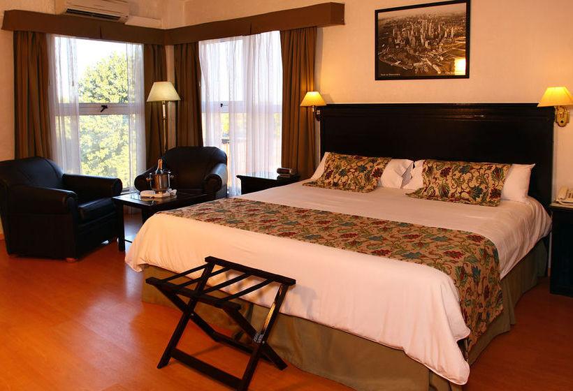 Le Foyer Hotel Vicente Lopez : Hotel ramada buenos aires a vicente lopez partire da