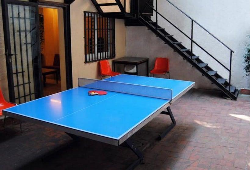 albergue studio hostel barcelone partir de 17 destinia. Black Bedroom Furniture Sets. Home Design Ideas