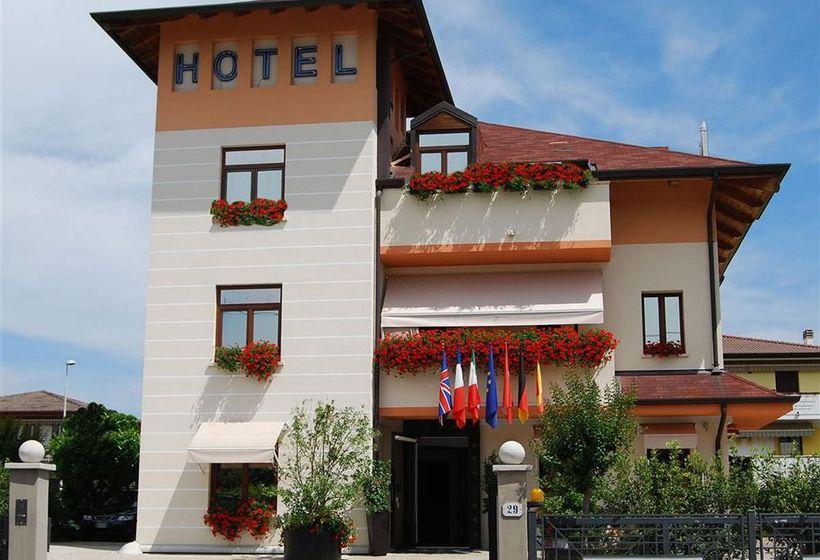 Small hotel royal a padova a partire da 24 destinia for Small friendly hotels