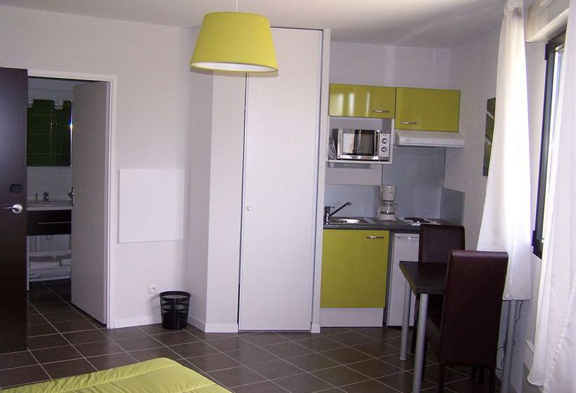 All suites appart 39 h tel pau pau partir de 19 destinia for Appart hotel pau