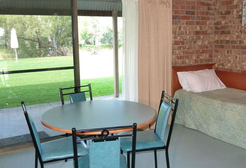 cadell on the murray motel resort moama partir de 44. Black Bedroom Furniture Sets. Home Design Ideas