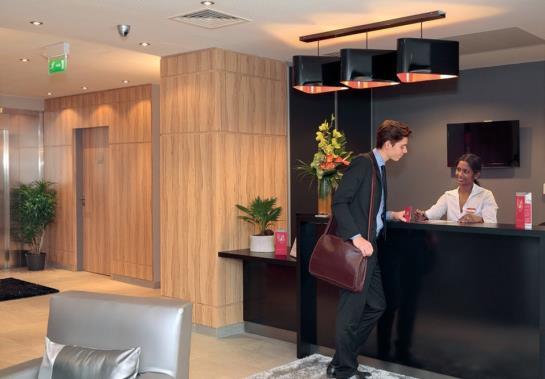 Appart 39 h tel park suites elegance rosny sous bois rosny for Park suite appart hotel