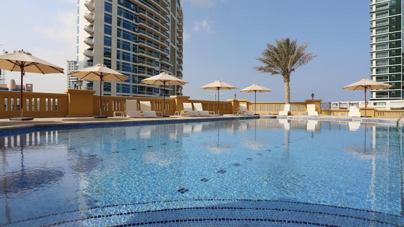 Zwembad Hotel Hawthorn Suites by Wyndham Dubai