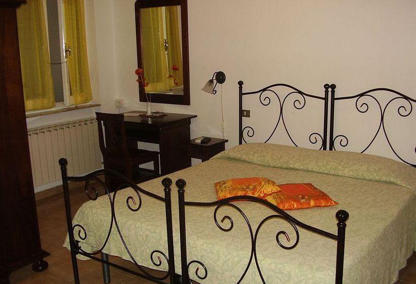 Отель Il Giglio Lerici