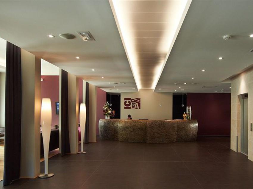 Hotel ici la villefranche sur saone the best offers for Hotels villefranche sur saone