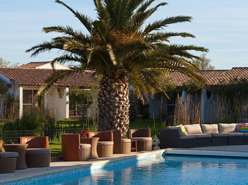 hotel la tramontane saintes maries de la mer the best offers with destinia. Black Bedroom Furniture Sets. Home Design Ideas