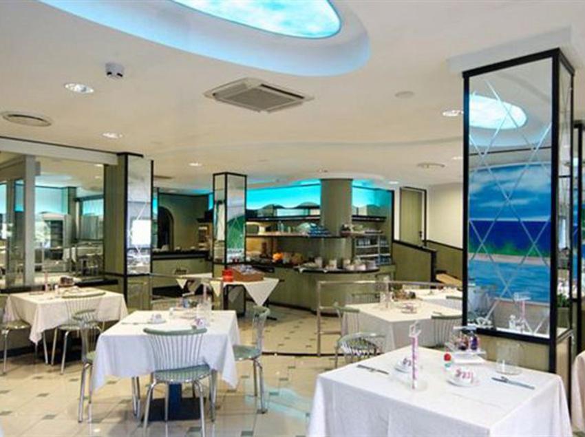Hotel mondial em moneglia desde 45 destinia for Hotel moneglia