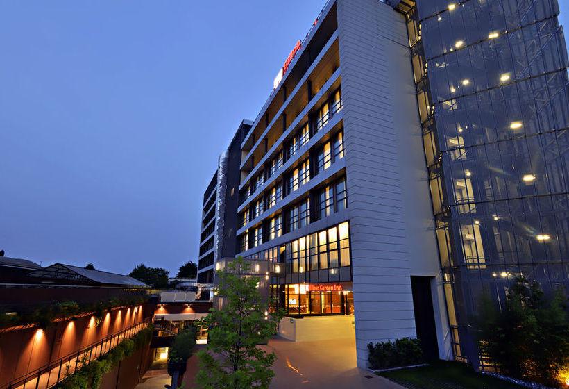 Hotel hilton garden inn milan north a milano a partire da for Hotel hilton milano
