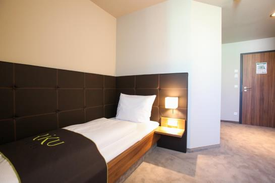 riku hotel memmingen hallhof memmingen as melhores ofertas com destinia. Black Bedroom Furniture Sets. Home Design Ideas