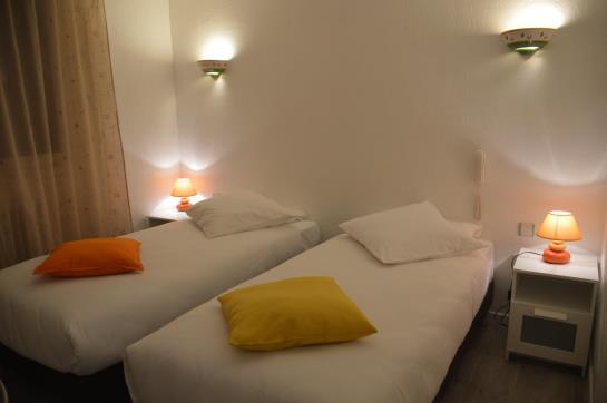 hotel le castelet in saintes maries de la mer starting at 34 destinia. Black Bedroom Furniture Sets. Home Design Ideas