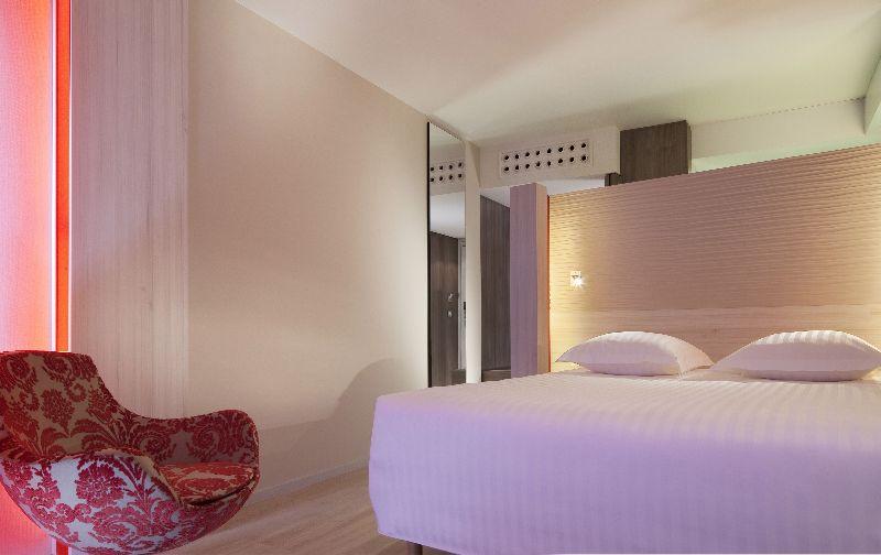 h tel oceania paris roissy cdg le mesnil amelot partir de 43 destinia. Black Bedroom Furniture Sets. Home Design Ideas